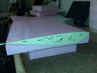 Name: IMG00109.jpg Views: 282 Size: 58.3 KB Description: Notice how the template is designed to hang over the edge of the foam so the hotwire has a place to start... guided along the template before the cut begins.