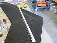 Name: DSCN2073.jpg Views: 58 Size: 248.5 KB Description: aluminum angle to guide the cut