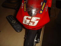 Name: DSC00818.jpg Views: 213 Size: 47.5 KB Description: small scratches on front shield and numbers