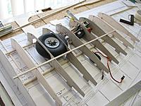 Name: IMG_1127.jpg Views: 458 Size: 231.2 KB Description: Retracted wheel does rather fill the wing!