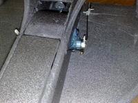 Name: 04092009183.jpg Views: 93 Size: 164.9 KB Description: pin holds the electronics flap shut