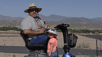 Name: DSC05901.jpg Views: 52 Size: 244.8 KB Description: Grandpa and his little helper.