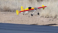 Name: DSC08221.jpg Views: 20 Size: 235.6 KB Description: Gary brings in the ProX for a landing after a successful flight.