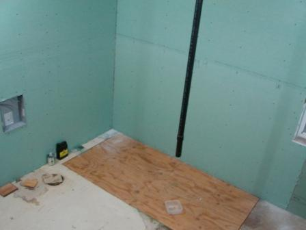 Name: 12-19-10.jpg Views: 199 Size: 21.7 KB Description: Floor is in and sheet rock is up.