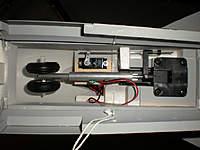 Name: DSCN1322.jpg Views: 335 Size: 87.8 KB Description: Retractable Nose Gear System
