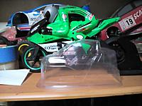 Name: 26543584_1396013467192060_255593381_o.jpg Views: 42 Size: 341.8 KB Description: The bodyshell next to a normal 1/5 bike...