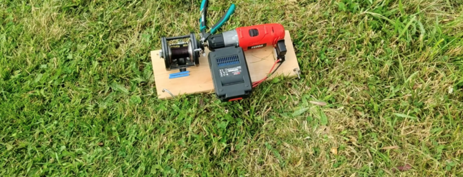 Micro sized sailplane winch made from an electric screwdriver and a fishing reel.