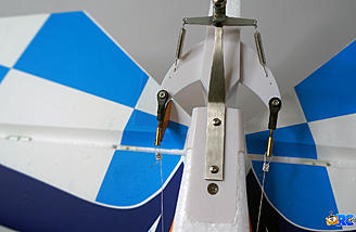 Rudder control linkages