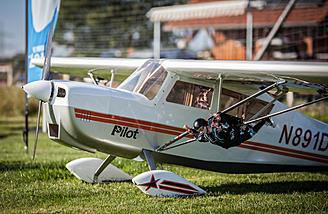 Parachute Pilot Steven Ready to Jump