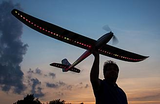 E-flite Night Radian FT 2.0m BNF