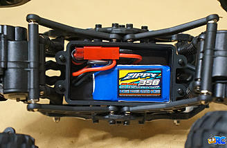 2S 350mAH lipo ready for the hatch to be secured