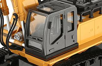 Nice details like a real excavator