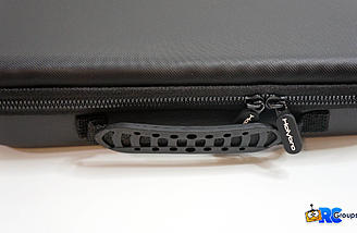 Nice zippers and carry handle