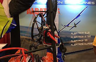 Trike or backpack paraglider setups