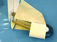Name: Dragonfly 03.jpg Views: 272 Size: 227.1 KB Description: The softwood UC legs notched over the wing dowel holding tube.