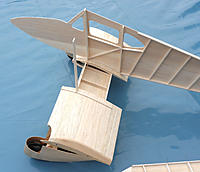 Name: Dragonfly 08.jpg Views: 305 Size: 170.9 KB Description: ... and the slanted former run through the top sheeting of the wing.