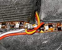 Name: p4040011-s.jpg Views: 200 Size: 106.5 KB Description: and broken wires...