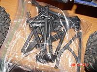 Name: DSC03166.jpg Views: 63 Size: 206.0 KB Description: New control arms