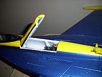Name: 100_2083.jpg Views: 757 Size: 79.6 KB Description: dubro park flyer hinge at the front end magnet to lock it down at the rear