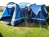 Name: P1000272.jpg Views: 51 Size: 242.0 KB Description: BIIGGG Tent!!!