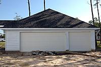 Name: img_07.jpg Views: 197 Size: 138.8 KB Description: Your basic three car garage.