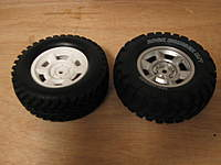 Name: LC 40-004.jpg Views: 210 Size: 48.9 KB Description: The F-350 wheels and tires really should have been included. They are sooo much nicer than stock!