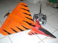 Name: Rafale.jpg Views: 438 Size: 39.3 KB Description: bottom side, battery hatch with GORILLA TAPE landing skids