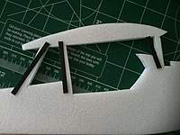 Name: HENRY MIGNET 009.jpg Views: 280 Size: 38.0 KB Description: FLAT CF REINFORCEMENT. Stiffer way to hold the wing.