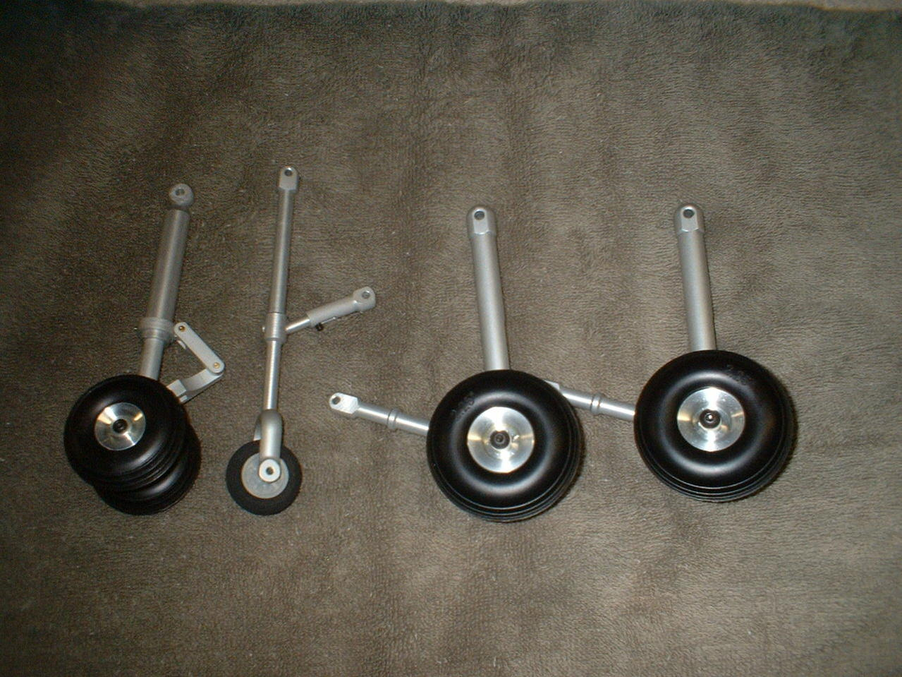 Name: DSCF0004.jpg Views: 359 Size: 206.7 KB Description: Great  gear. The springs are a bit weak but I can deal with that