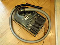 Name: P3190007.jpg Views: 97 Size: 68.9 KB Description: But a vaccuumcleaner is very important for that job. Especially with a brush  on it!
