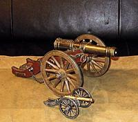 "Name: $(KGrHqF,!oME8VonTOQEBPMnmvSenQ~~60_12.jpg Views: 97 Size: 38.2 KB Description: My model of a ""Louis XIV. cannon"" - barrel 17 cm long - besides a smaller model of a civil war "" Dahlgren 1862"" cannon."