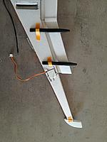 Name: IMG_20170402_161117.jpg Views: 43 Size: 441.8 KB Description: Wing without aileron (left) with servo