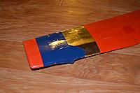 Name: riser-wing.jpg Views: 112 Size: 190.5 KB Description: Riser - Trim tape stuck to the wing