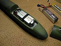 Name: Redimensionnement de DSCN4441.jpg Views: 246 Size: 153.9 KB Description: Batteries 6 LiPo fit perfect.
