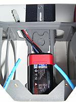 Name: 12.jpg Views: 688 Size: 137.6 KB Description: Battary rack slips into bottom of the hull with finger racket fixing
