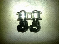 Name: 12212011074.jpg Views: 642 Size: 223.8 KB Description: The roller on the right after modification.
