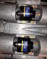Name: Twins7.jpg Views: 125 Size: 160.0 KB Description: In the J11B with heat sinks installed.