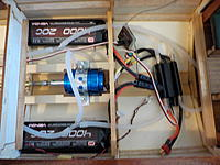 Name: 437 - DSCN9908.JPG Views: 66 Size: 1.29 MB Description: The business end of the running gear. A small tray for each of the Receiver and ESC have been made but not yet glued in place.