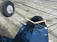 Name: DSCN0820.jpg Views: 254 Size: 202.9 KB Description: Landing gear.  The bungie is two #64 rubber bands.
