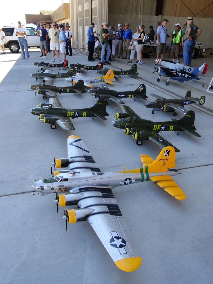 Name: Plane_Crazy_-_15_Sep_12_004.jpg Views: 245 Size: 140.1 KB Description: Starmax B-17 at Mojave Air & Space Port