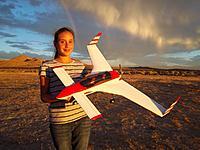 Name: Long EZ 1.jpg Views: 711 Size: 277.2 KB Description: My daughter Evelyn holding the Rich Models Long-EZ 380