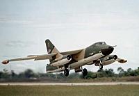 Name: 800px-Douglas_RB-66C_Destroyer_in_flight_061102-F-1234P-036.jpg Views: 433 Size: 35.6 KB Description: Douglas EB-66C takeoff