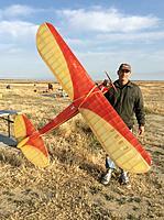 Name: IMG_9351.jpg Views: 61 Size: 315.3 KB Description: Jeff Carman with his large Texaco model.