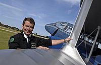 Name: C00508878[1].jpg Views: 208 Size: 81.7 KB Description: Happy Raipde Pilot with a good flight suit