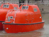 Name: Totally_Enclosed_Life_and_Rescue_Boat.jpg Views: 476 Size: 46.4 KB Description: