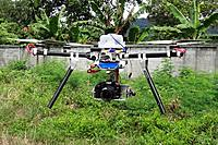 Name: uni_X6_EOS_web4.jpg Views: 212 Size: 191.8 KB Description: UniCopter XL I6 with MT4008 motors, direct drive large gimbal, and EOS 550D