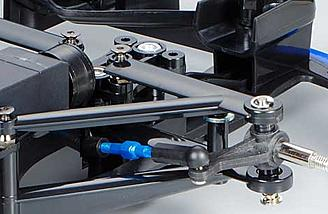 Switch upper mount attachment direction to alter the camber of the independent kingpin coil spring suspension.
