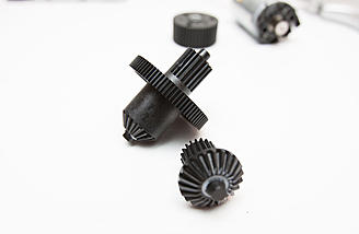Spur gear assembly
