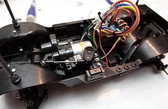 Hitec HS485HB steering servo installed