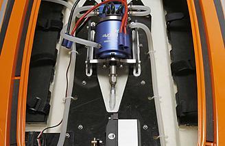 The Zelos supports a pair of 11.1V (3S) or 14.8V (4S) 5000mAh 50C LiPos